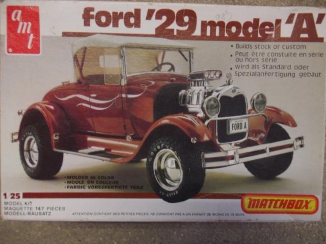 Vends Maquette Ford A roadster 1929 AMT 1/25 U7gms0
