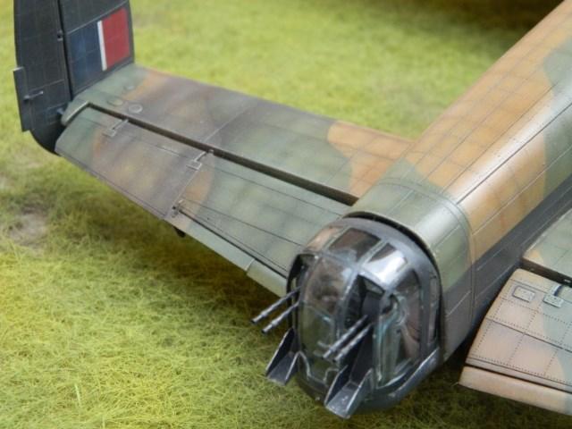AVRO LANCASTER  Mk.III. Tamiya 1/48° - Page 14 F0pd60
