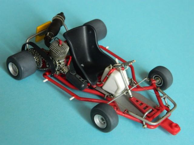 Kart  A. SENNA Bercy 93. Fujimi 1/20ème. fini. Y03001