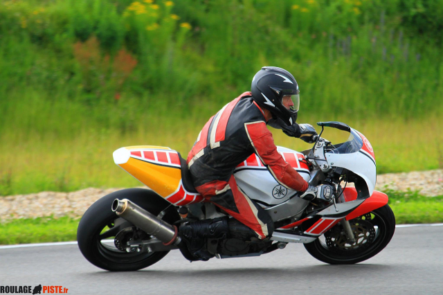 1000 FZR piste Low Cost Ucbch1