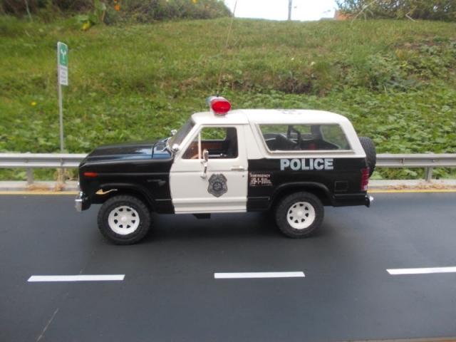 Ford Bronco police Gmr2mv